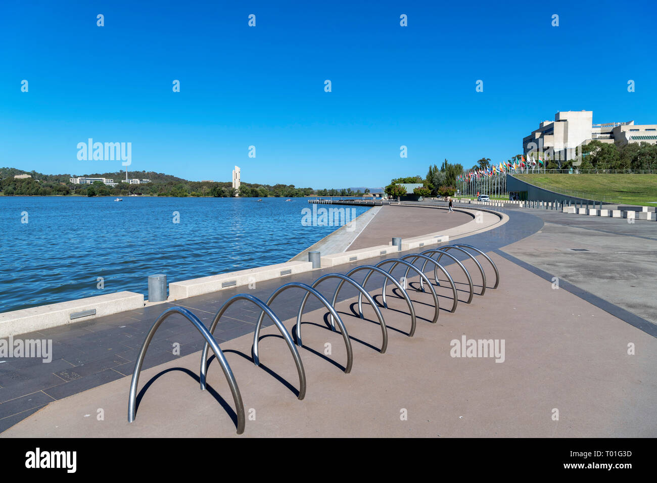 The shores of Lake Burley Griffin in the Parliamentary Triangle, Canberra, Australian Capital Territory, Australia - Stock Image