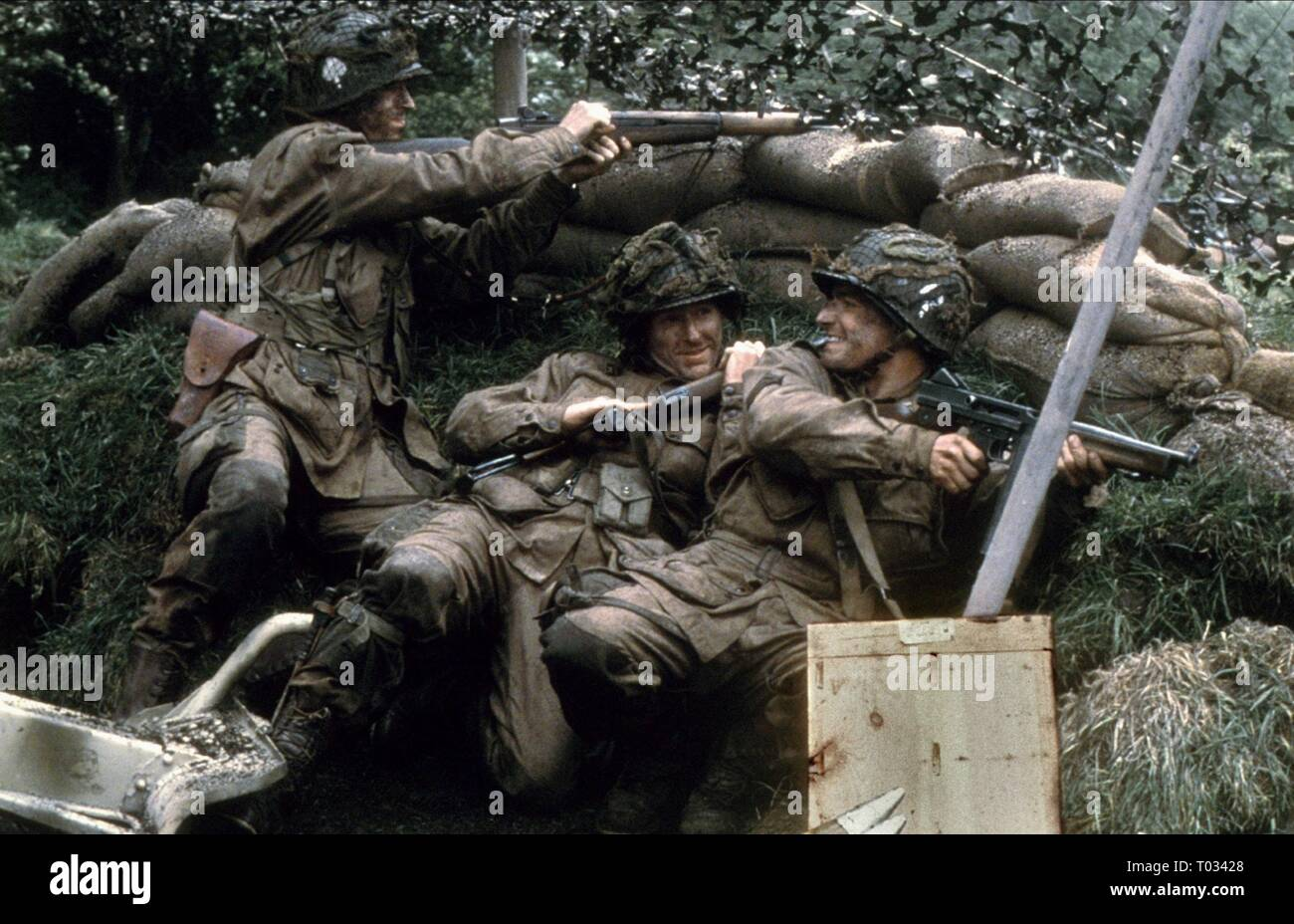 DAMIAN LEWIS, SCOTT GRIMES, JOHN HUGHES, BAND OF BROTHERS, 2001 - Stock Image