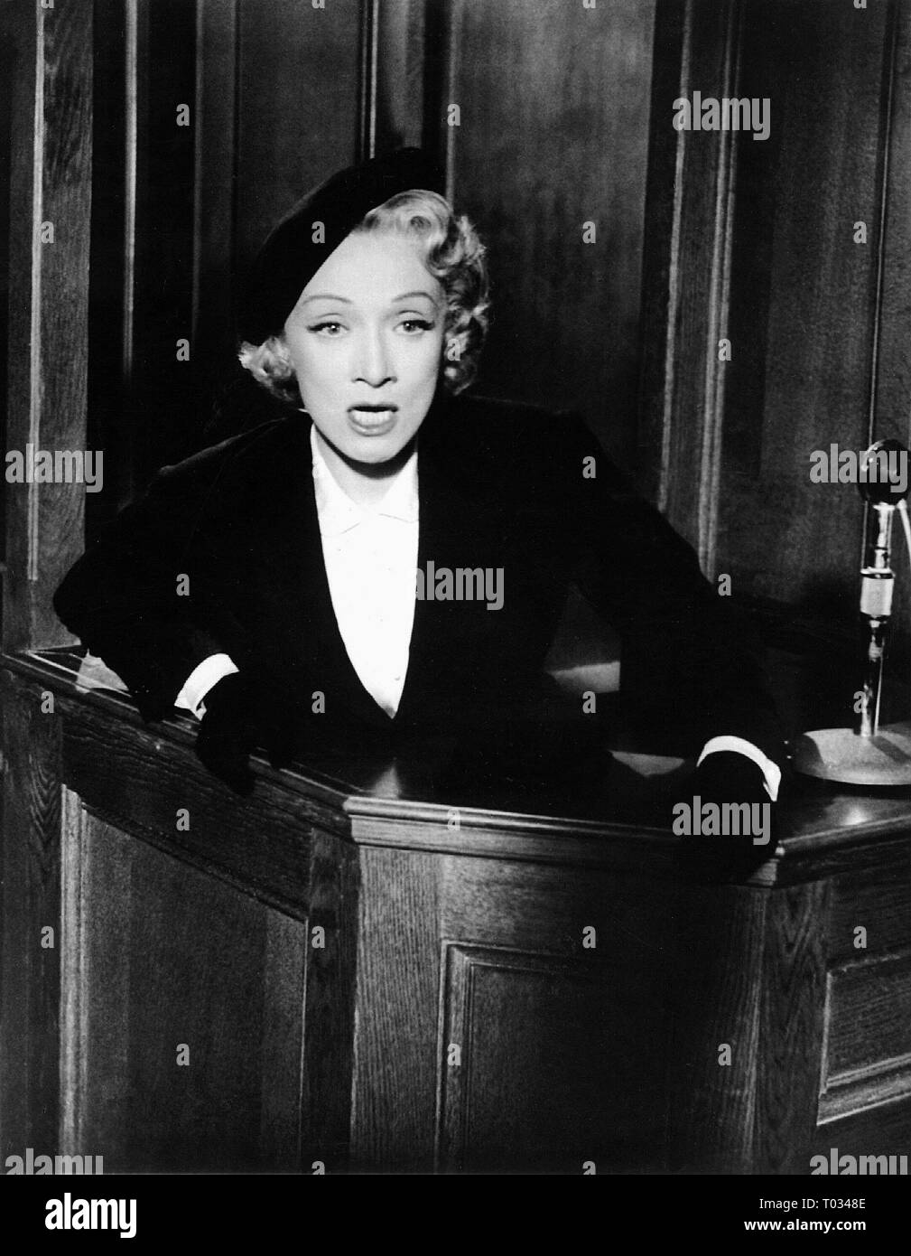 MARLENE DIETRICH, WITNESS FOR THE PROSECUTION, 1957 - Stock Image
