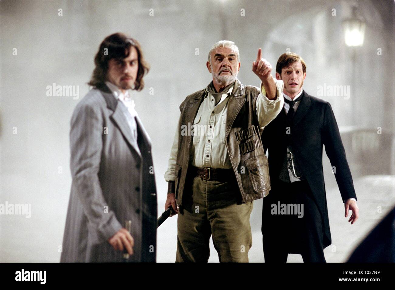 STUART TOWNSEND, SEAN CONNERY, JASON FLEMYNG, THE LEAGUE OF EXTRAORDINARY GENTLEMEN, 2003 - Stock Image
