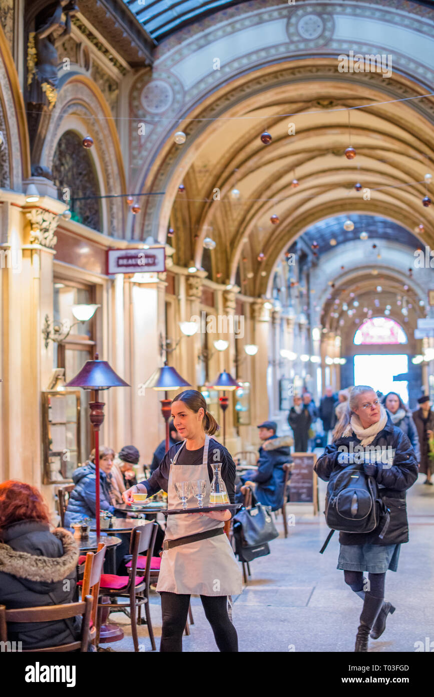 Cafes and shops in the Freyung Passage, Palais Ferstel, Herrengasse street, Innere Stadt, Vienna, Austria. - Stock Image