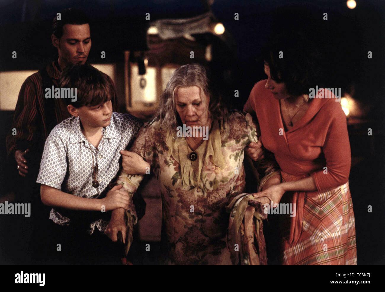 JOHNNY DEPP, AURELIEN PARENT KOENIG, JUDI DENCH, JULIETTE BINOCHE, CHOCOLAT, 2000 - Stock Image