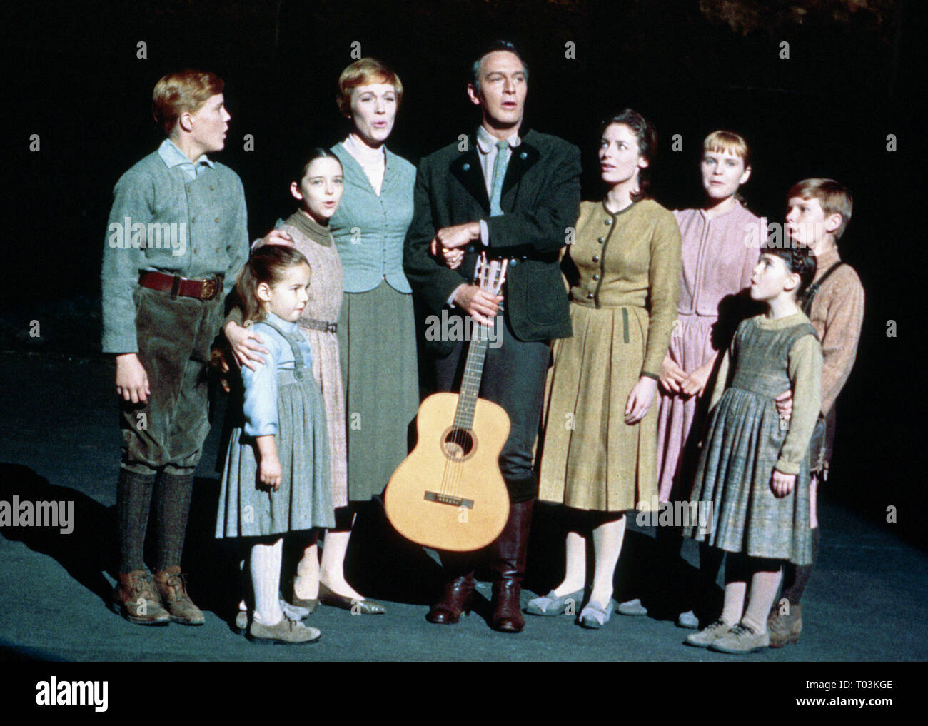NICHOLAS HAMMOND, KYM KARATH, HEATHER MENZIES, JULIE ANDREWS, CHRISTOPHER PLUMMER, CHARMIAN CARR, PEGGY WOOD, DUANE CHASE, DEBBIE TURNER - Stock Image