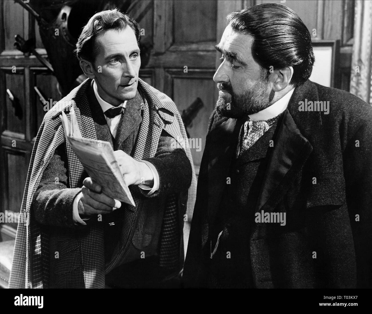 PETER CUSHING, FRANCIS DE WOLFF, THE HOUND OF THE BASKERVILLES, 1959 - Stock Image