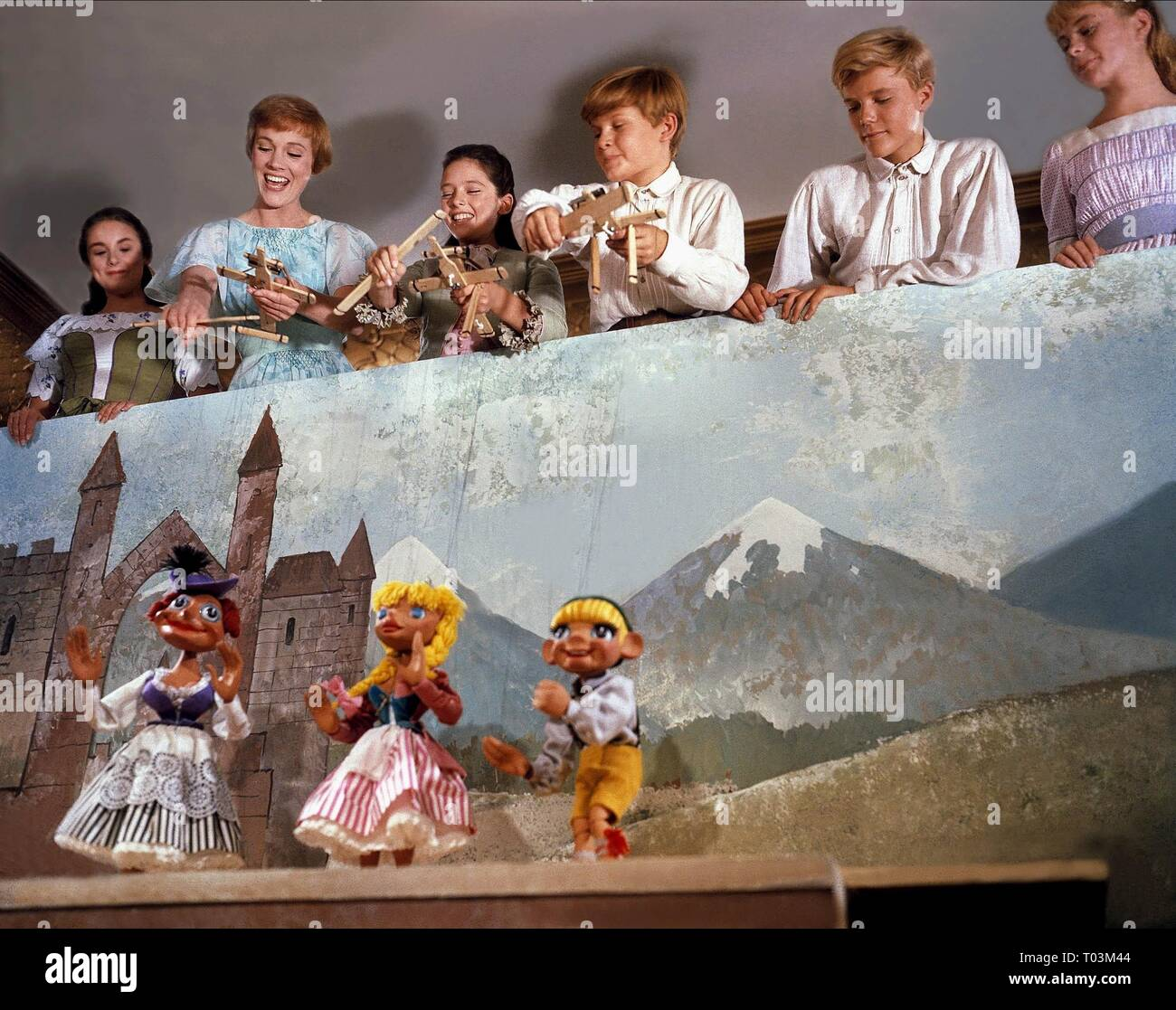 CHARMIAN CARR, JULIE ANDREWS, HEATHER MENZIES, DUANE CHASE, NICHOLAS HAMMOND, PEGGY WOOD, THE SOUND OF MUSIC, 1965 - Stock Image