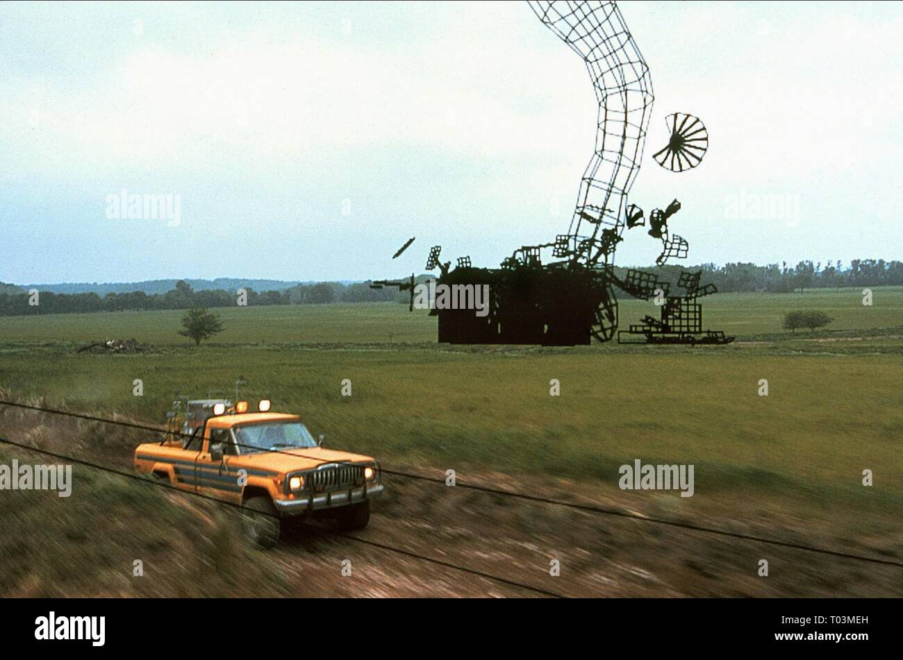 VISUAL EFFECTS (CGI) JEEP IN FIELD SCENE 3 OF 3, TWISTER, 1996 - Stock Image