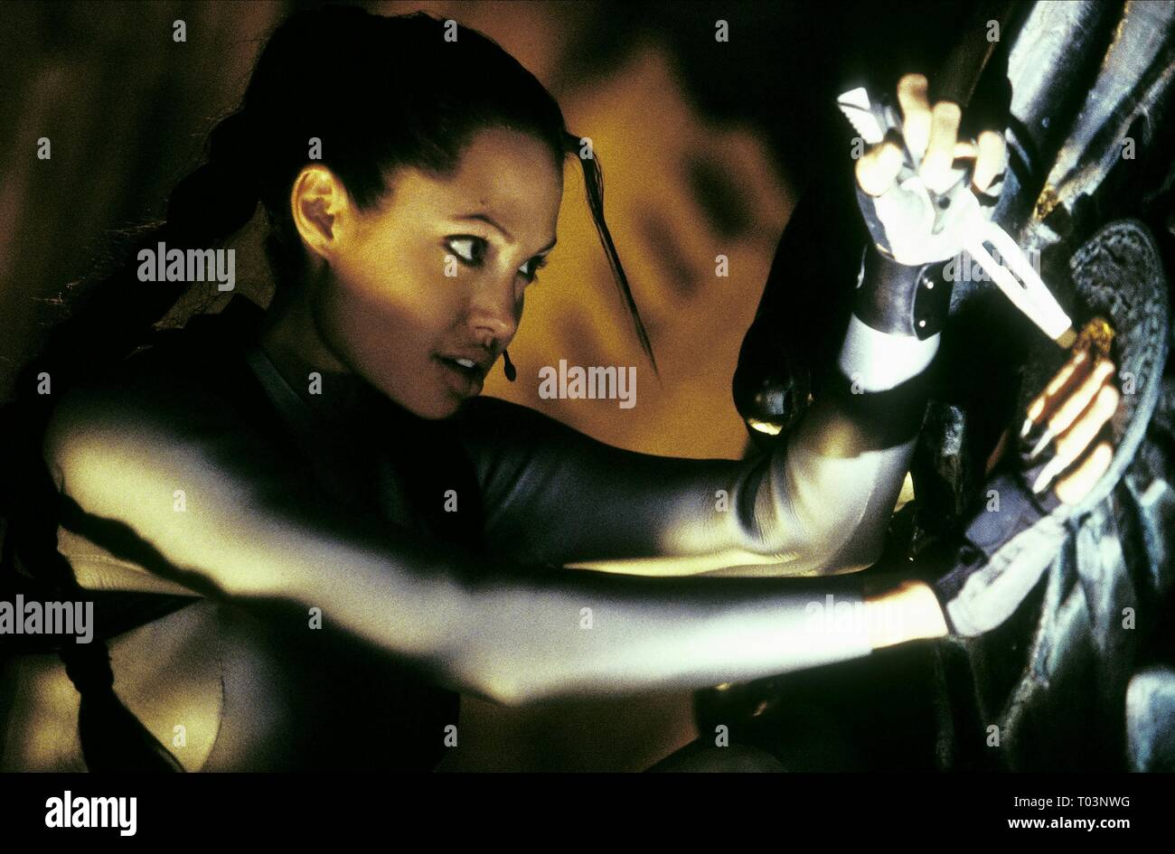 Angelina Jolie Lara Croft Tomb Raider The Cradle Of Life 2003 Stock Photo Alamy