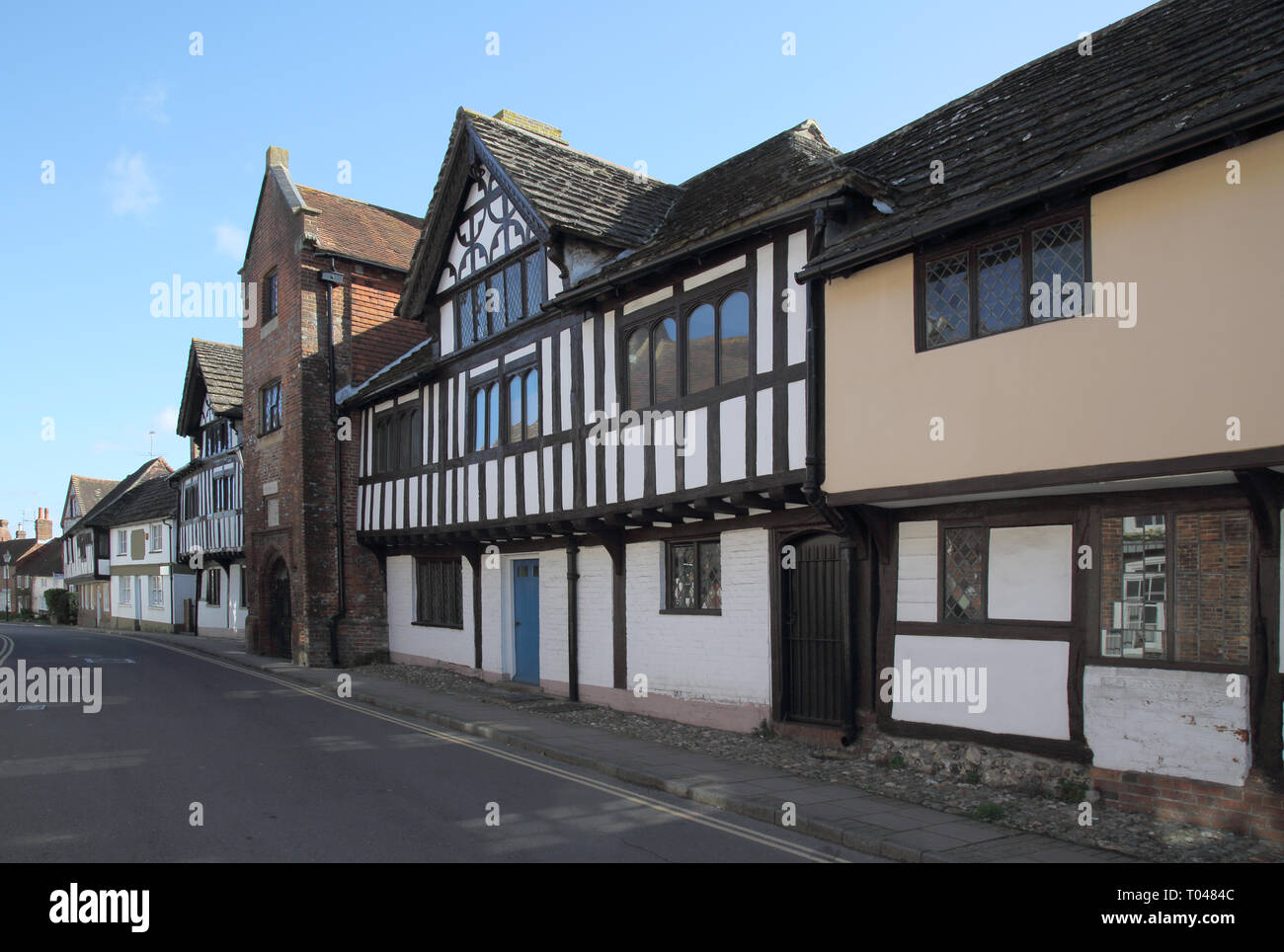 the old grammar school and old cottages  in church street in the small west sussex town of steyning - Stock Image