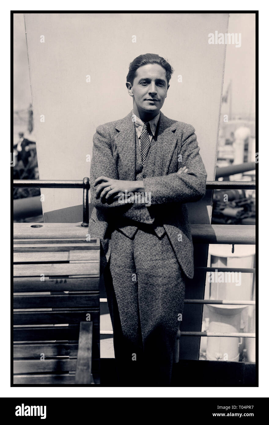 IVOR NOVELLO Vintage 1920's Informal image of Ivor Novello, Welsh actor and songwriter composer born David Ivor Davies, a Welsh composer and actor who became one of the most popular British entertainers of the first half of the 20th century. 1920s/1930s IVOR NOVELLO (1893-1951). Photograph, early 20th century 1900's. - Stock Image