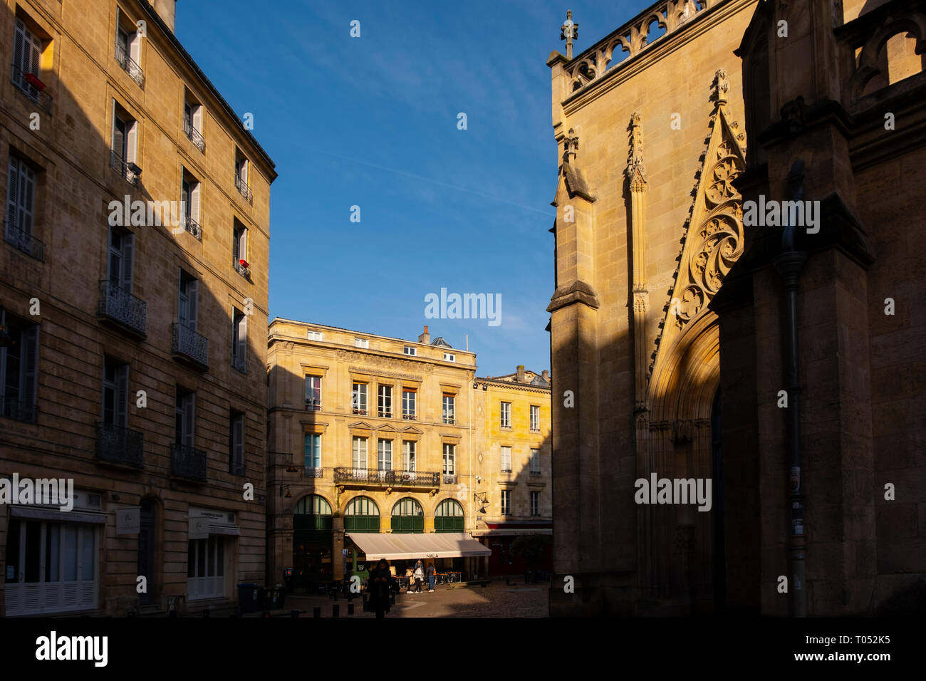 Building in the historic center, Bordeaux. Aquitaine Region, Gironde Department. France Europe Stock Photo