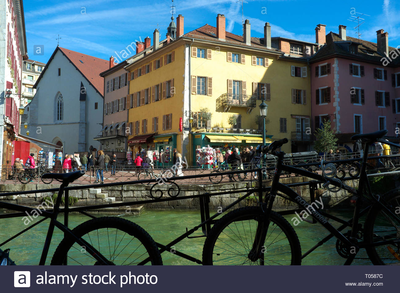 View in the old town area of Annecy, by the river (Le Thiou). Annecy. Auvergne-Rhone-Alpes, south east France. Stock Photo