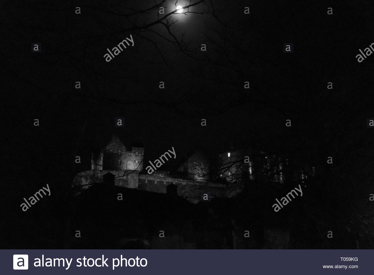 Monocrome picture of Edinburg castle at night - Stock Image