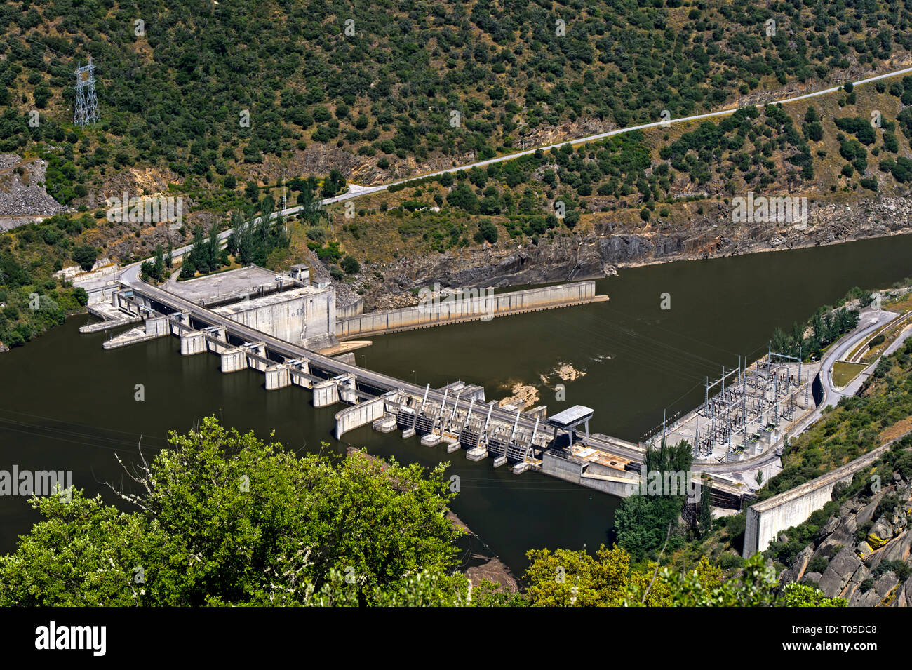 Run-of-the-river hydroelectric power plant Valeira Dam with lock at the Douro river,  Sao Joao da Pesqueira, Douro Valley, Region, Portugal - Stock Image