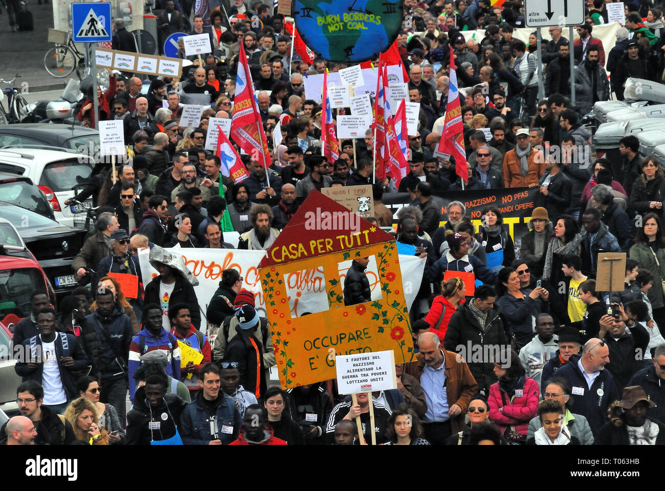 Padua, Italy, March 17th, 2019. Three thousand people demonstrated against racism, against the Salvini government, against sea rejections and for a policy of welcoming migrants. Credit: Ferdinando Piezzi/Alamy Live News - Stock Image