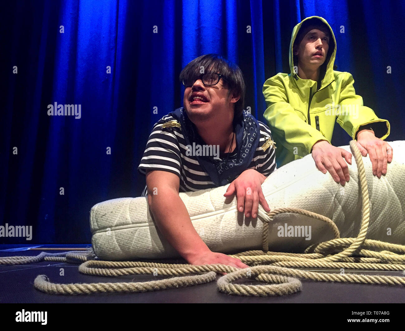 """28 February 2019, Bavaria, München: Dennis Fell-Hernandez (l) and Thomas Nissl play the """"Sturm"""" after William Shakespeare at the """"Werkschau der Freien Bühne München"""". Actors with disabilities: How does inclusion work in the theatre? On the Free Stage in Munich, actors with and without disabilities work together professionally. It is the first inclusive theatre in Bavaria. Photo: Sina Schuldt/dpa Stock Photo"""