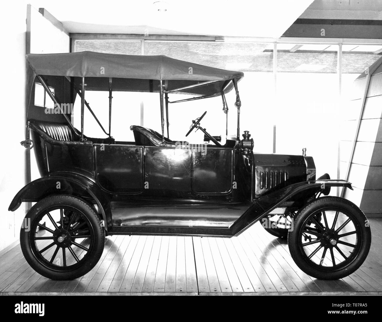 transport / transportation, cars, vehicle variants, Ford Model T 1916, view from right, Automobile Museum Torino, Italy, 1960s, Additional-Rights-Clearance-Info-Not-Available - Stock Image