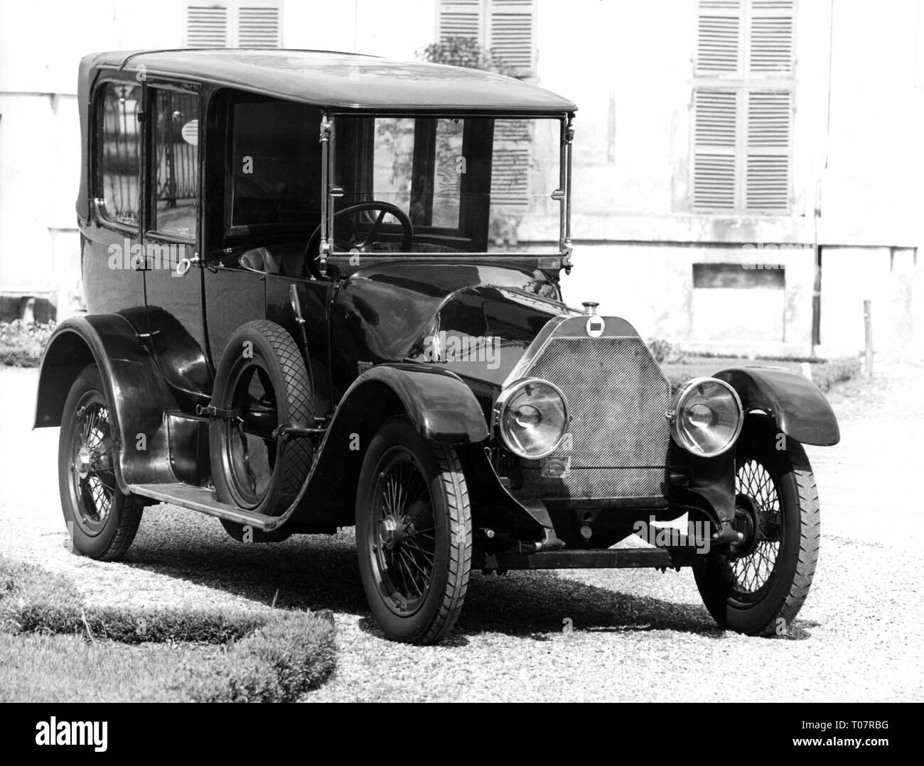 transport / transportation, car, vehicle variants, Lancia Theta, year of construction: 1914, view from right ahead, automobile museum Torino, Italy, 1960s, Additional-Rights-Clearance-Info-Not-Available - Stock Image