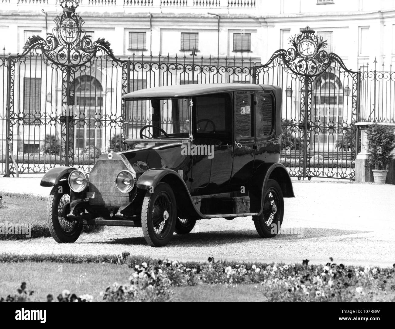 transport / transportation, car, vehicle variants, Lancia Theta, year of construction: 1914, view from left ahead, automobile museum Torino, Italy, 1960s, Additional-Rights-Clearance-Info-Not-Available - Stock Image