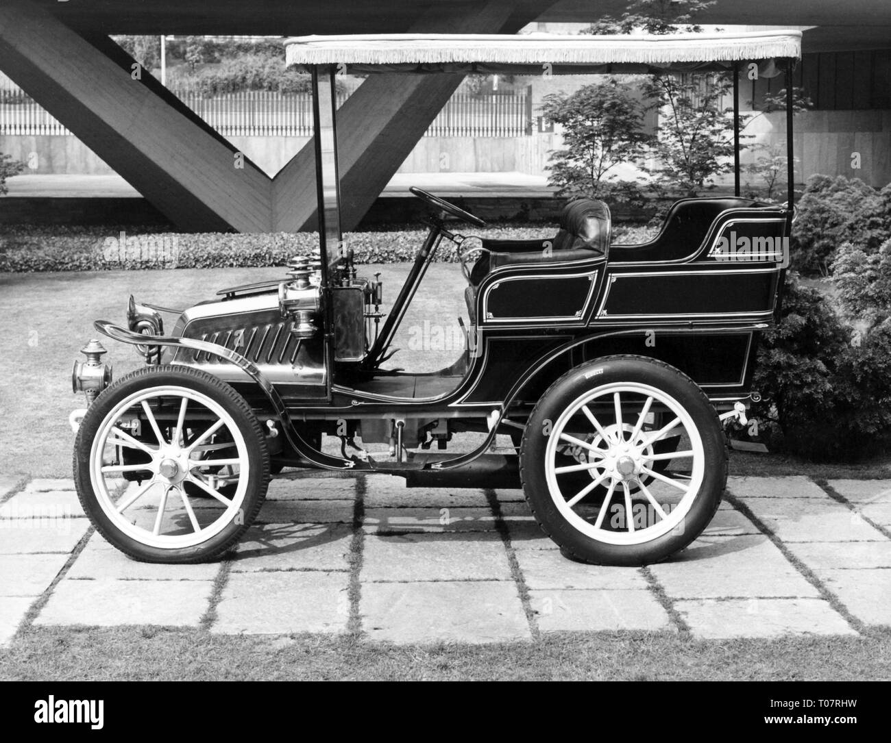 transport / transportation, car, vehicle variants, Darracq 9 1/2 HP, year of construction: 1902, view from left, automobile museum Torino, Italy, 1960s, Additional-Rights-Clearance-Info-Not-Available - Stock Image