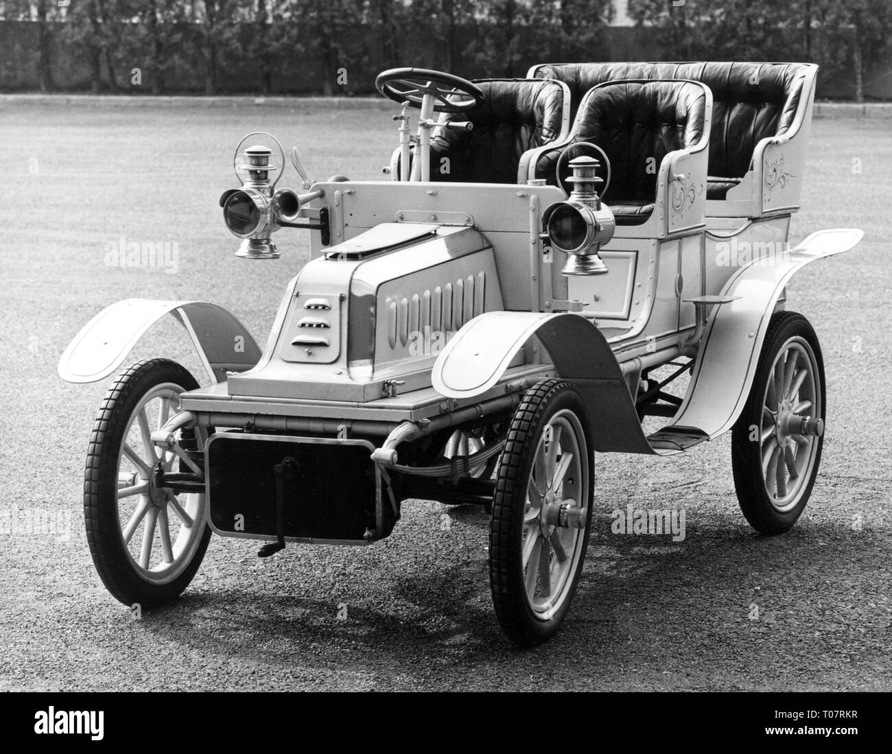 transport / transportation, car, vehicle variants, De Dion-Bouton Populaire, type W, year of construction: 1903, view from left ahead, automobile museum Torino, Italy, 1960s, Additional-Rights-Clearance-Info-Not-Available - Stock Image
