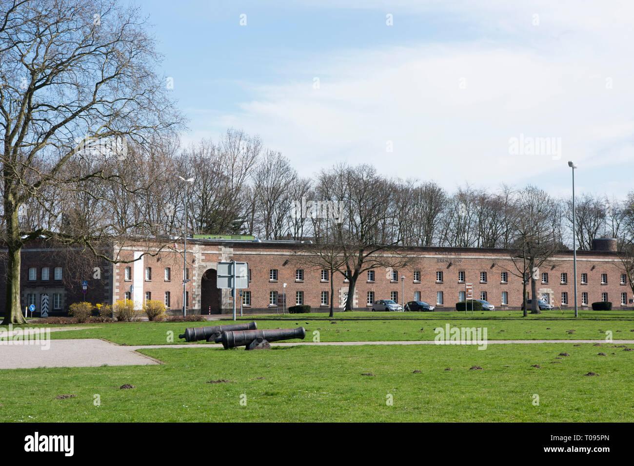 Deutschland, Nordrhein-Westfalen, Kreis Wesel, Wesel, Zitadelle Wesel, Kaserne No. VIII der Zitadelle, heute Musik- und Kunstschule - Stock Image