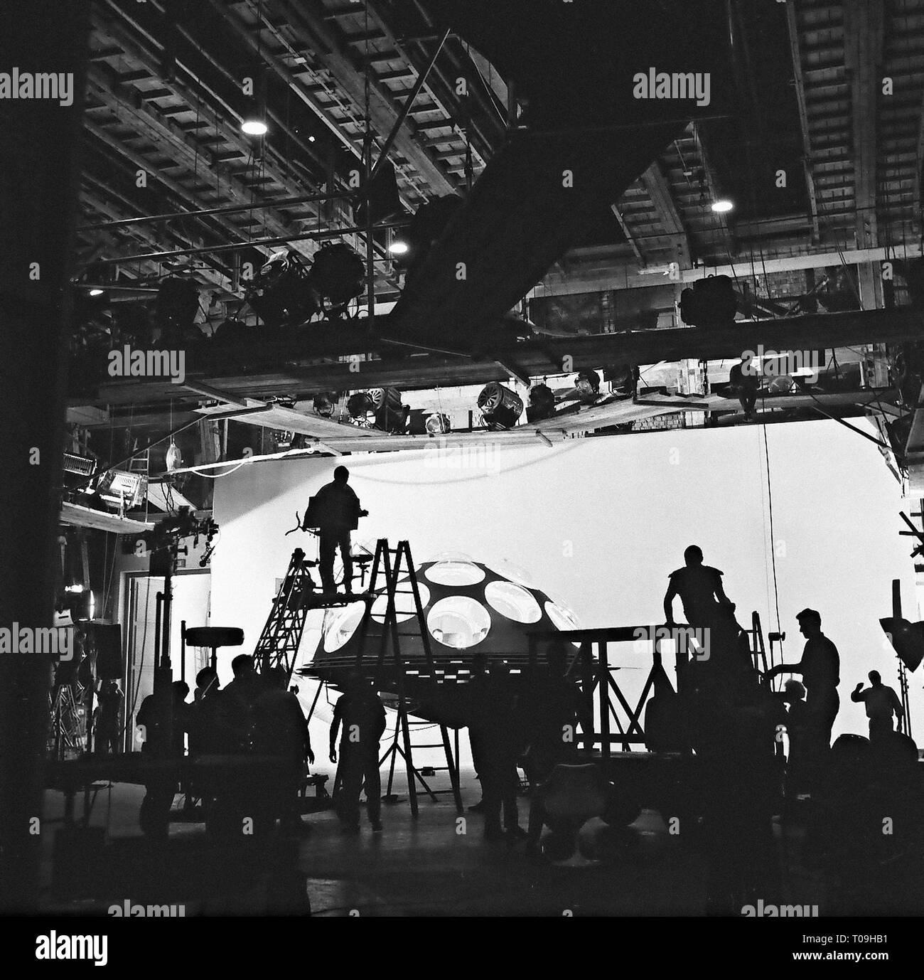 COMMANDO SPATIAL - LA FANTASTIQUE AVENTURE DU VAISSEAU ORION RAUMPATROUILLE - DIE PHANTASTISCHEN ABENTEUER DES RAUMSCHIFFES ORION 1966 serie TV creee - Stock Image