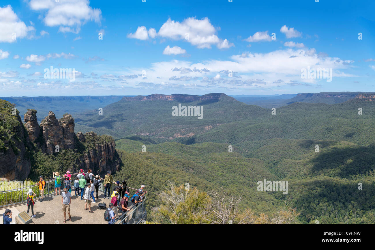 View over the Blue Mountains from The Three Sisters Lookout at Echo Point, Katoomba, New South Wales, Australia - Stock Image