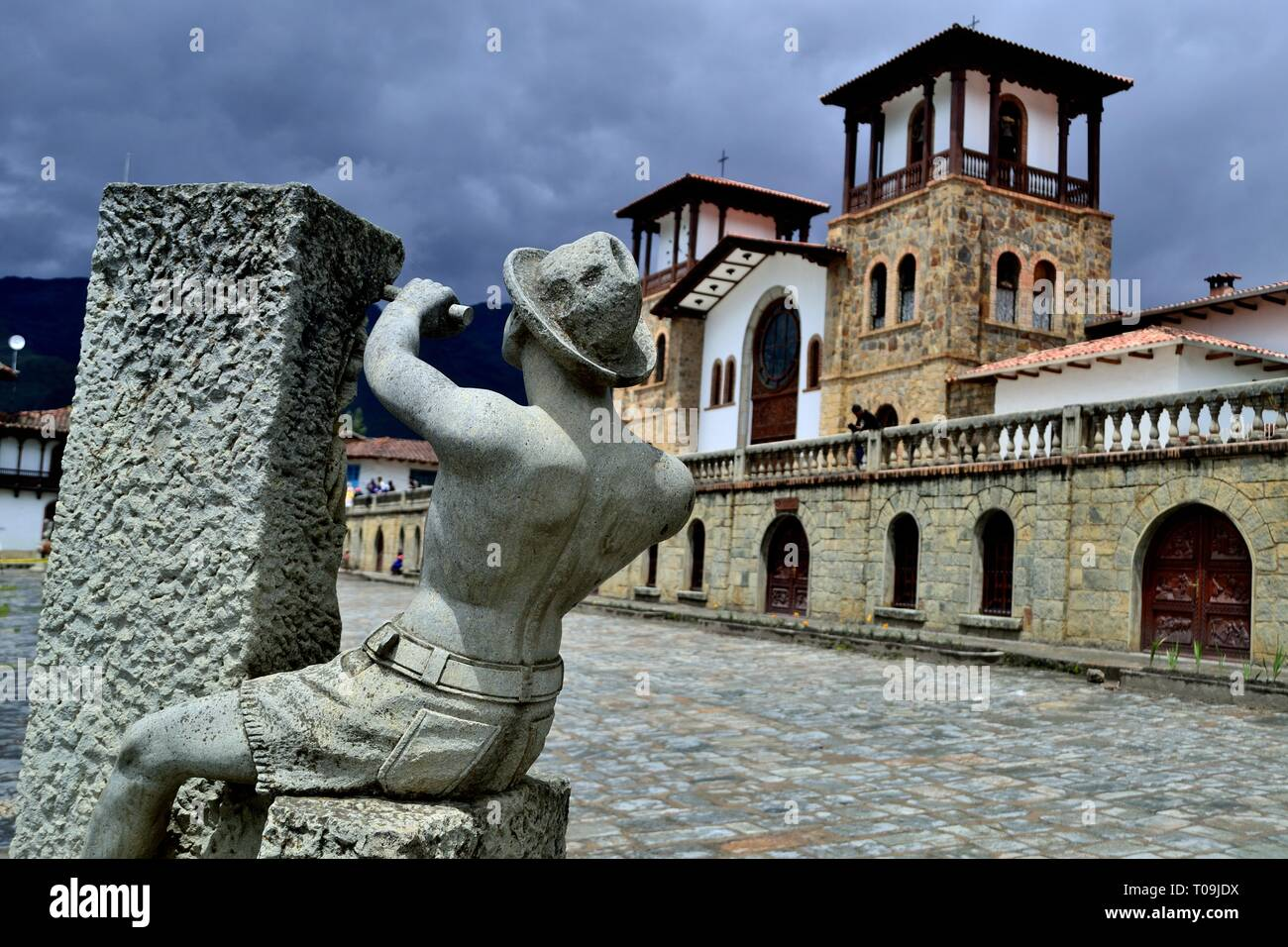 Stonecutter - Plaza Mayor in CHACAS -  Department of Ancash.PERU pitcher                          - Stock Image