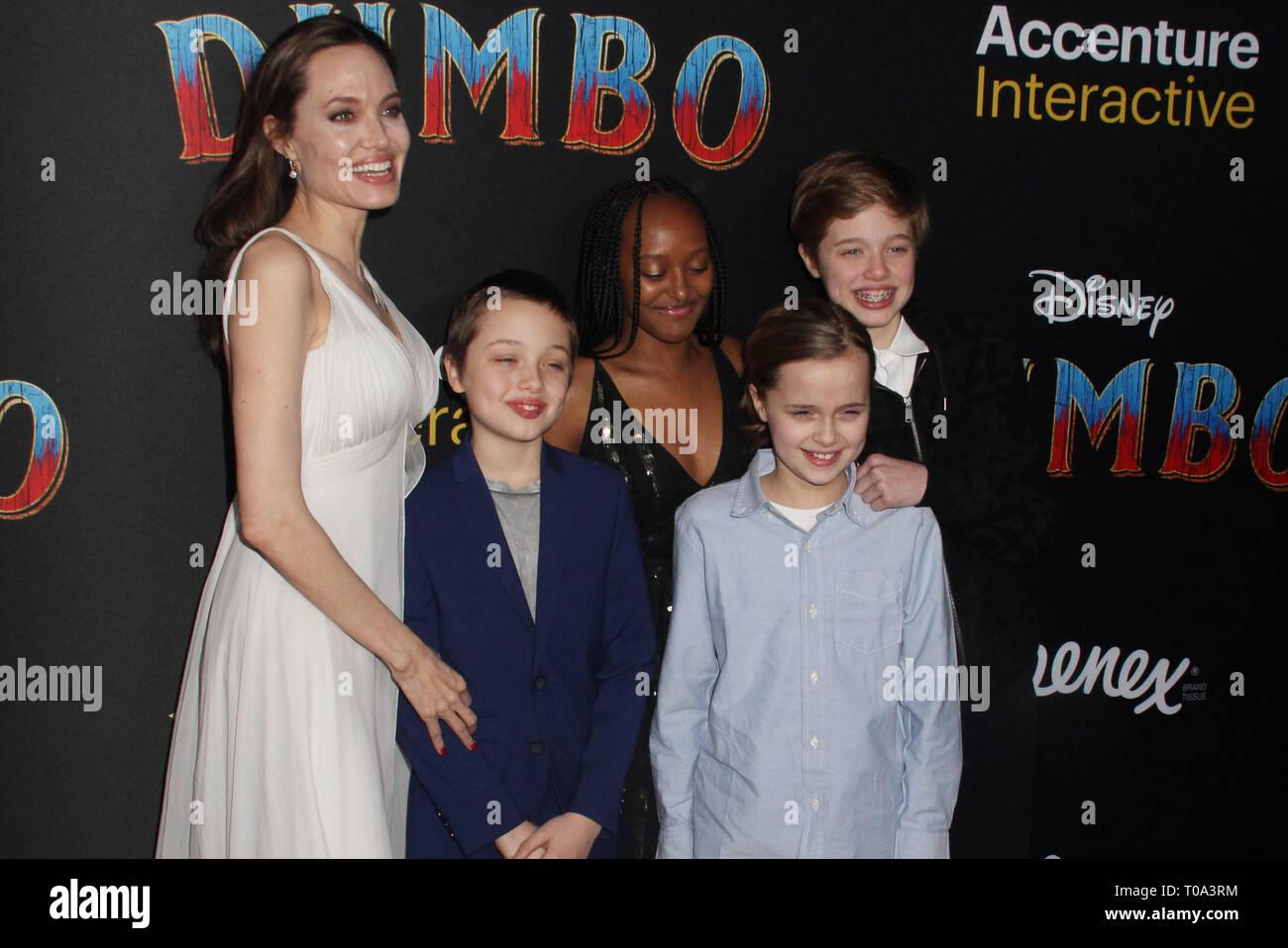 Shiloh Jolie Pitt And Angelina Jolie Stock Photos & Shiloh ...