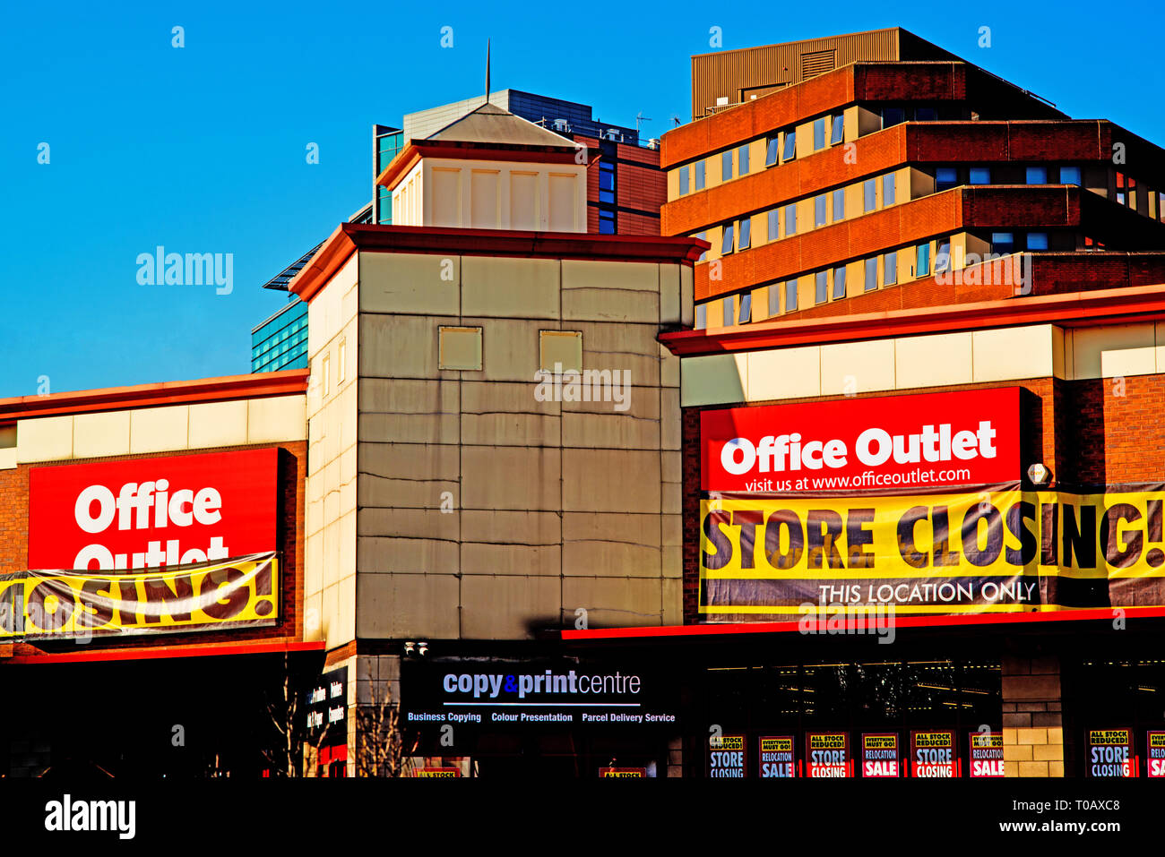 Office Outlet Closing down sale, Sheffield, England - Stock Image