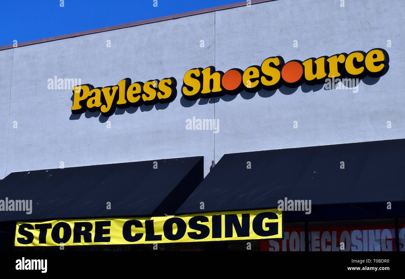 Payless ShoeSource store closing sign in California - Stock Image