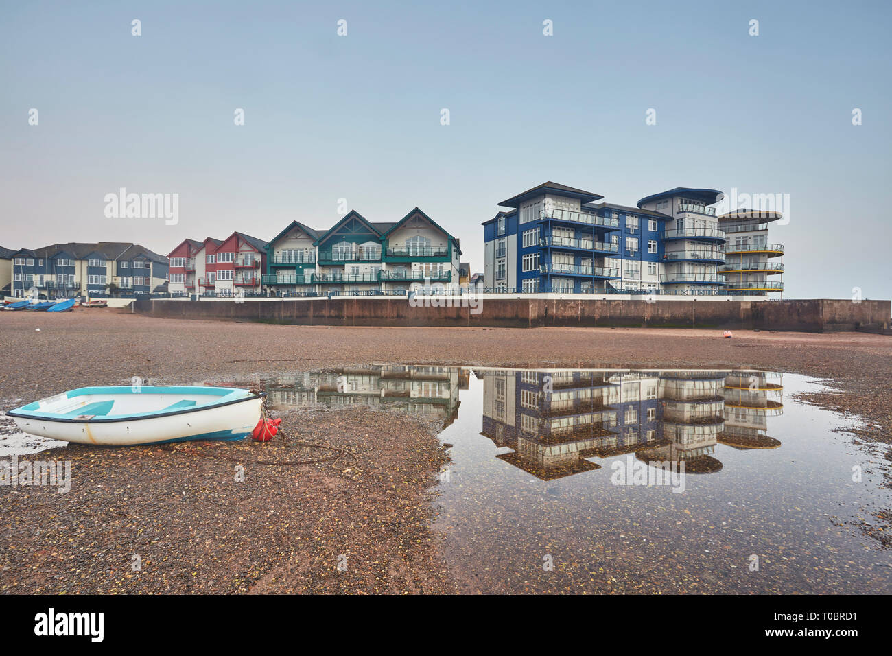 An evening view of the estuary of the River Exe at low tide, Exmouth, Devon, Great Britain. - Stock Image
