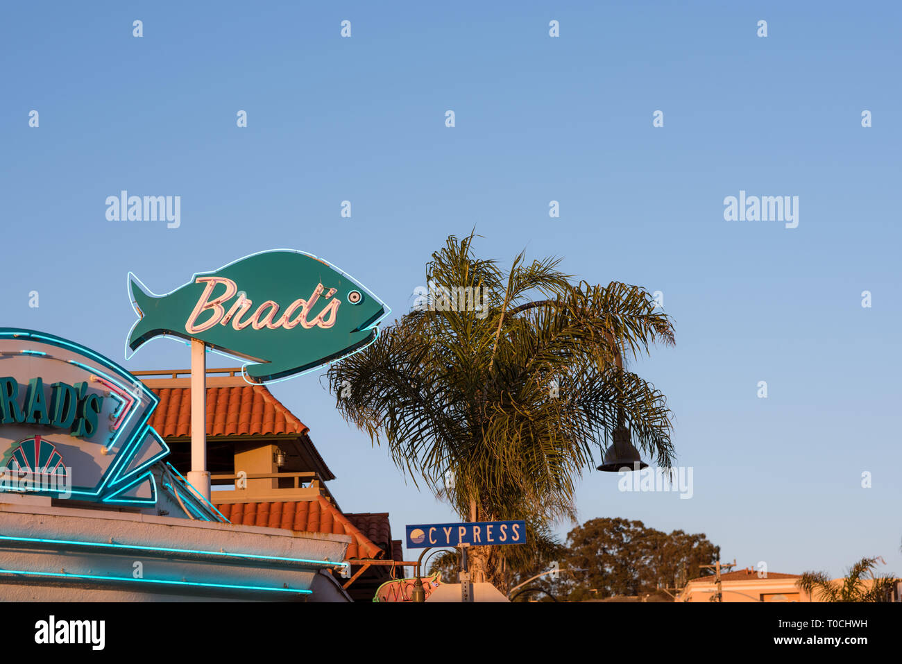 Brad S Seafood Restaurant In Pismo Beach Near The Famous Pismo Pier Stock Photo Alamy
