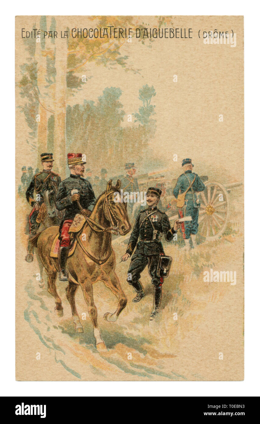 French historical advertising chromolithographic postcard: General on horseback listening to the report of the messenger officer near the artillery - Stock Image