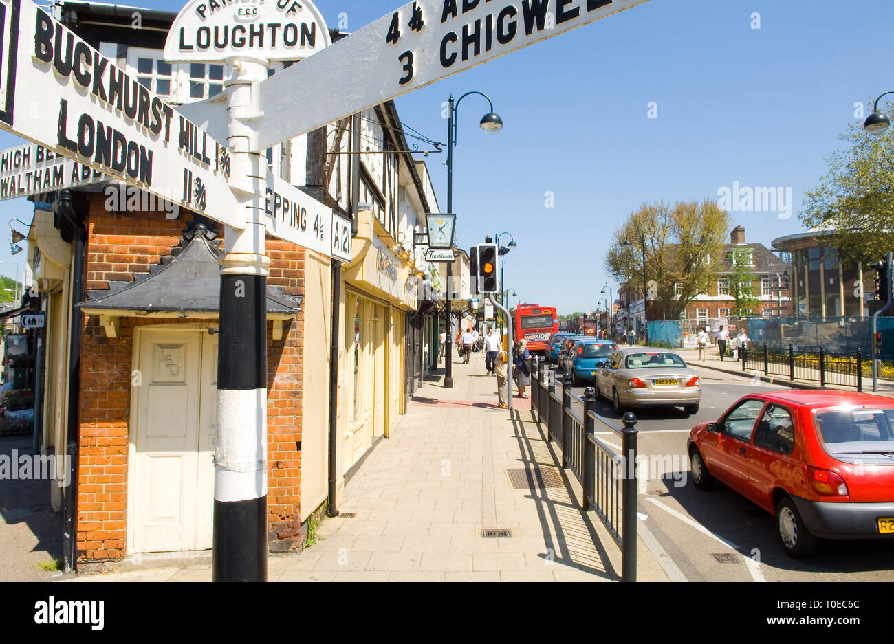 Old Road sign in the Parish of Loughton, showing directions to the A121, London, Abridge and Chigwell - Stock Image