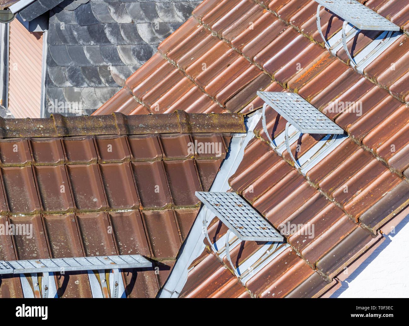 A new roof with a chimney - Stock Image
