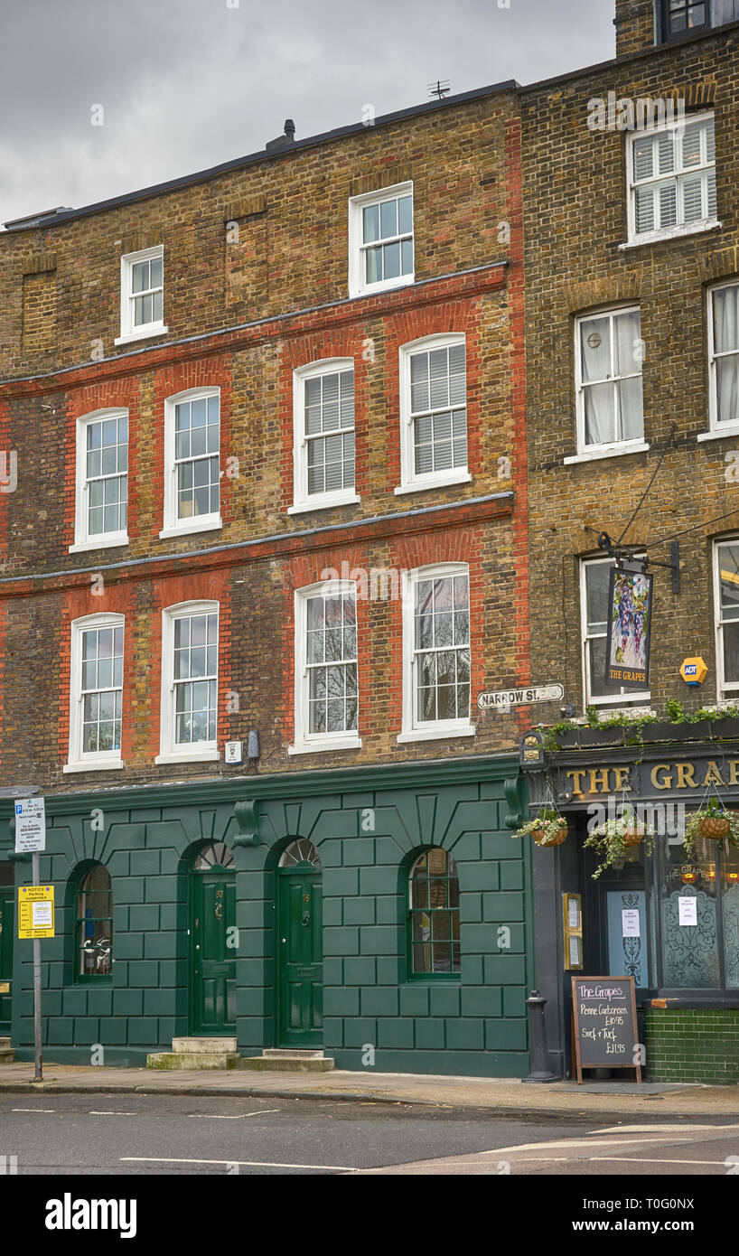 narrow street limehouse - Stock Image
