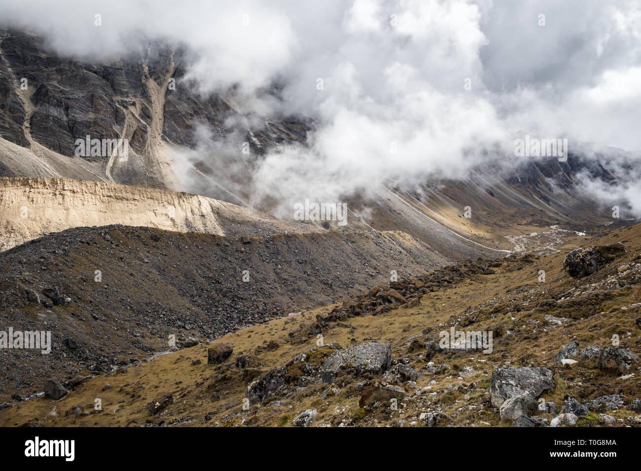 Valley en route to Narethang, Gasa District, Snowman Trek, Bhutan Stock Photo