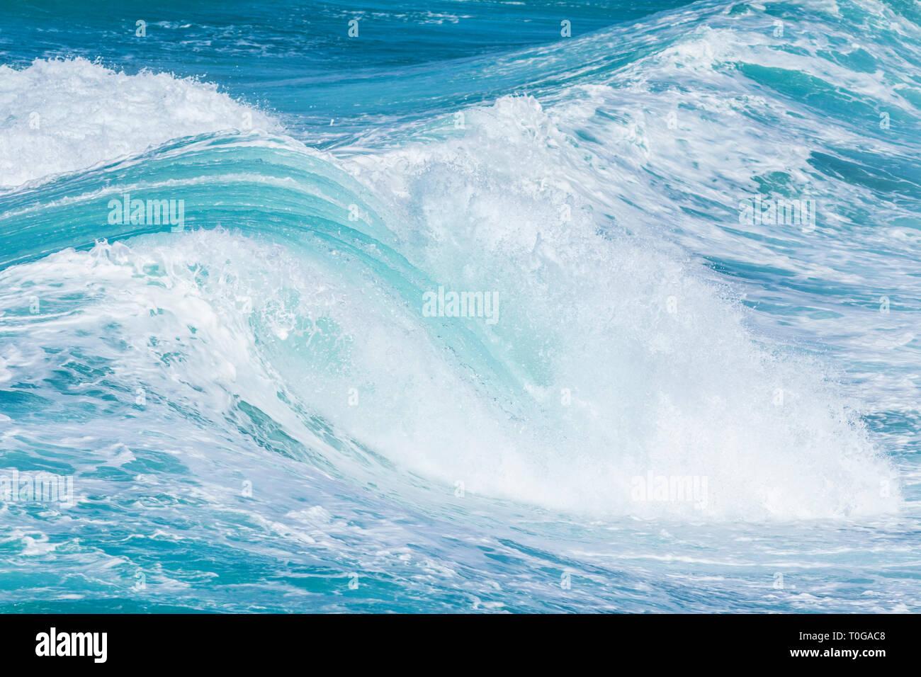 Huge Sea Waves Rolling In Towards Shore Atlantic Ocean Waves Stock Photo Alamy