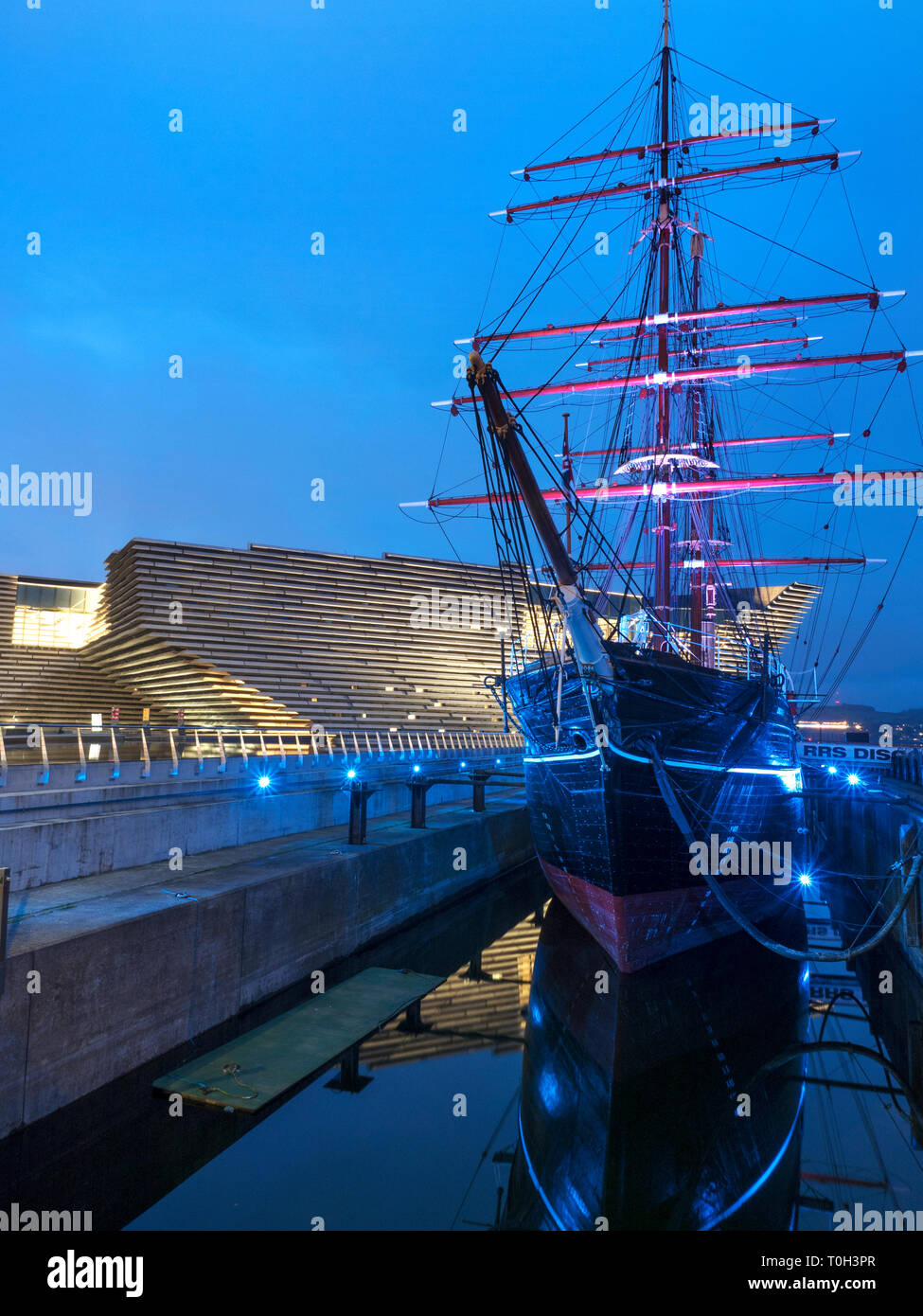 V&A Dundee design museum and RRS Discovery museum ship at Riverside Esplanade Dundee Scotland - Stock Image