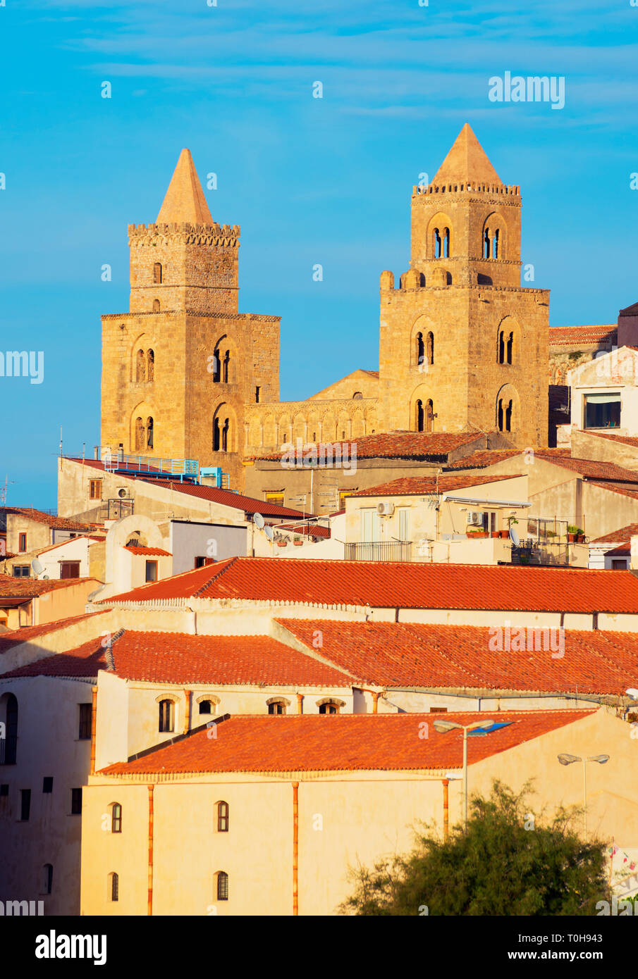 View of San Salvatore Cathedral and Cefalu historic discrict, , Cefalu, Sicily, Italy, Europe - Stock Image
