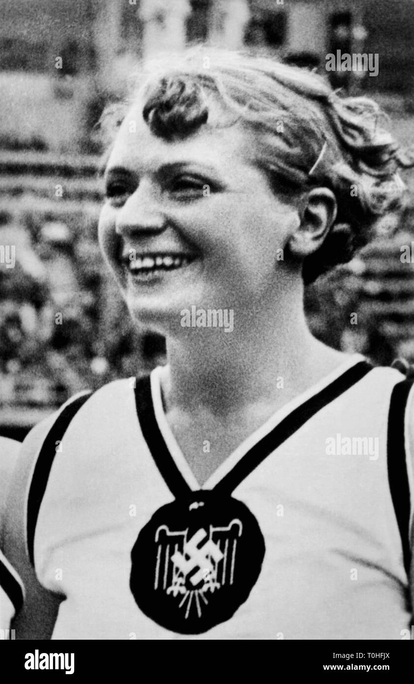 sports, Olympic Games 1936, Berlin, athletics, javelin throwing, winner women: Tilly Fleischer, Germany, Additional-Rights-Clearance-Info-Not-Available - Stock Image
