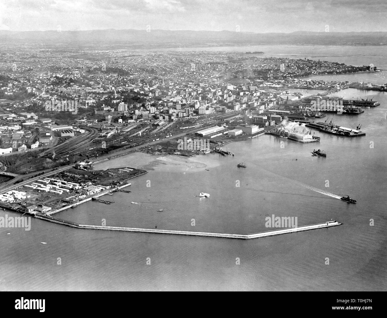 geography/travel, New Zealand, Auckland, aerial view, 1950s, 50s, North Island, harbour, Pacific, Polynesia, Oceania, 20th century, , Additional-Rights-Clearance-Info-Not-Available Stock Photo