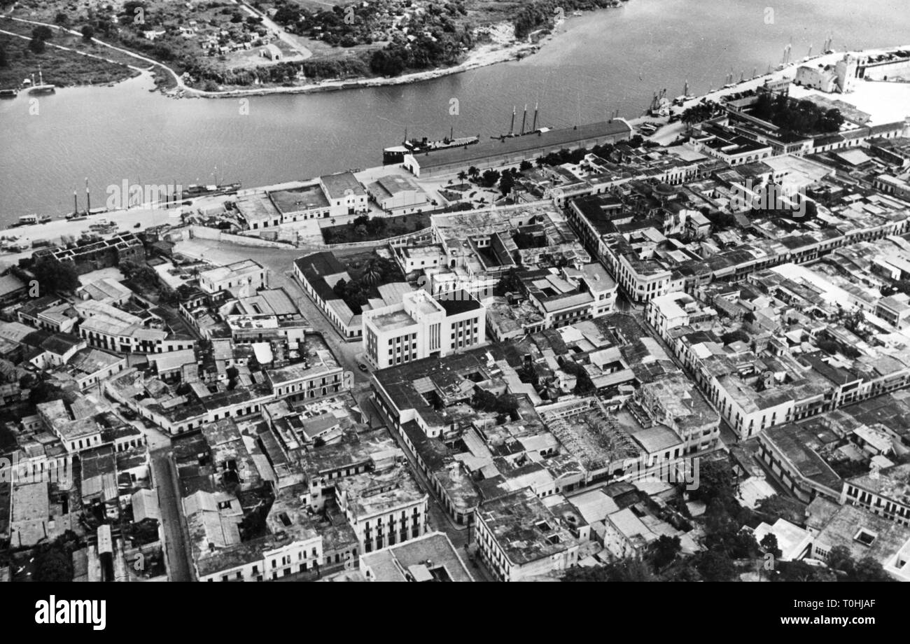 geography / travel, Dominican Republic, Ciudad Trujillo (Santo Domingo), city views / cityscapes, centre with harbour, aerial view, circa 1960, Additional-Rights-Clearance-Info-Not-Available - Stock Image