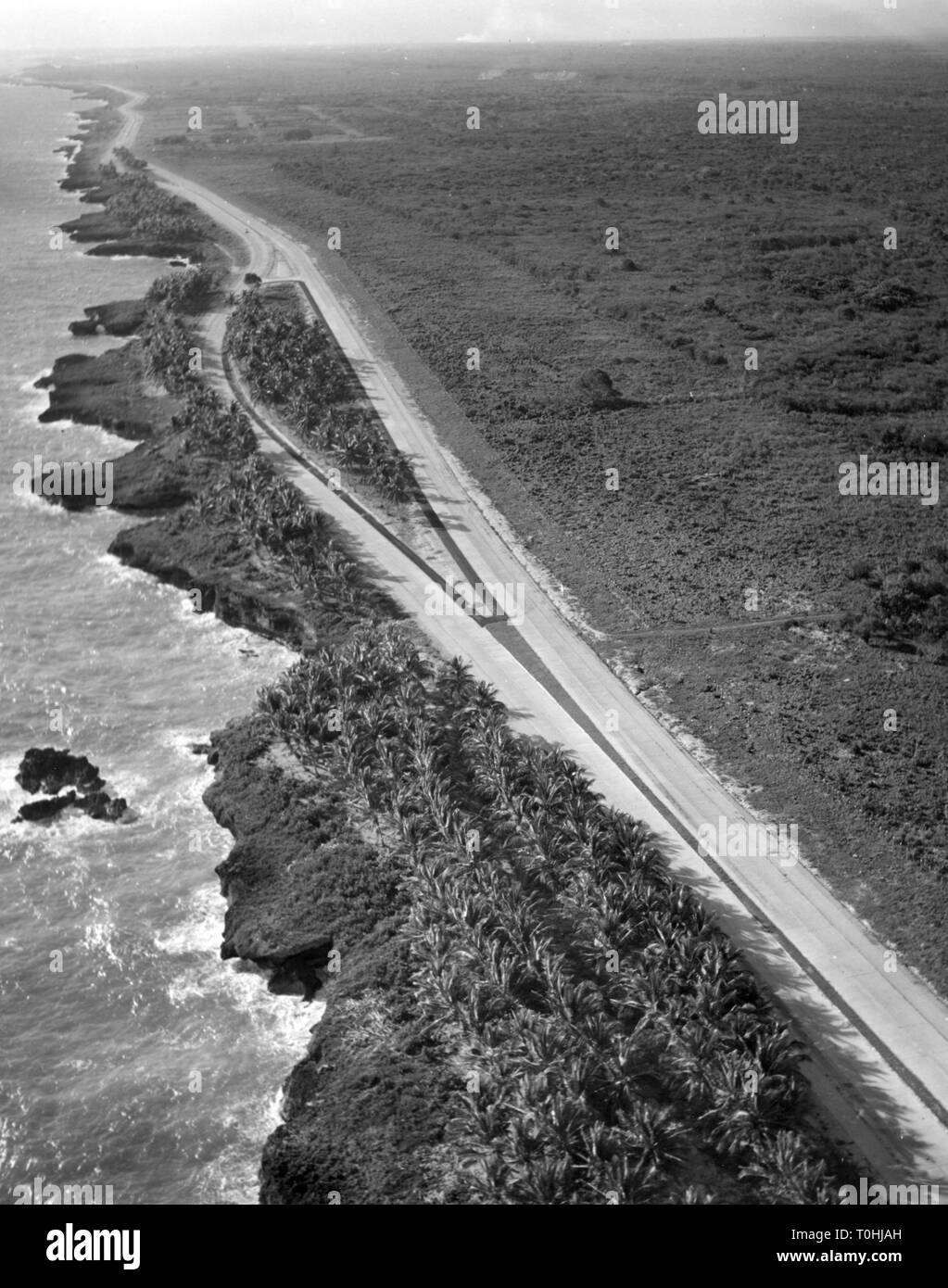 geography / travel, Dominican Republic, South coast between Santo Domingo and Boca Chica with Las Americas road, circa 1960, Additional-Rights-Clearance-Info-Not-Available - Stock Image