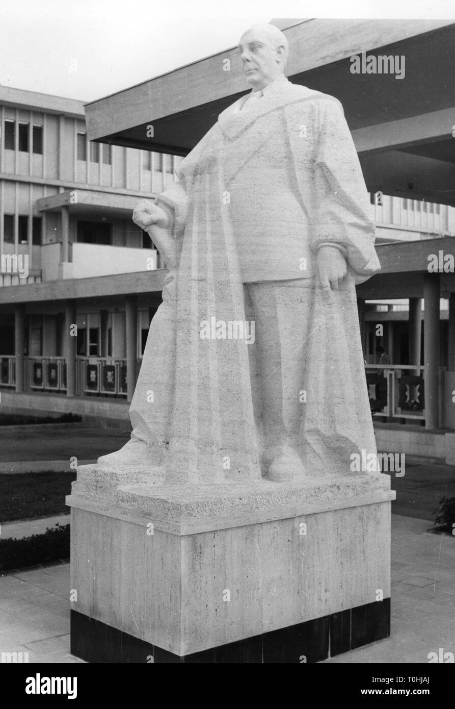geography / travel, Dominican Republic, Ciudad Trujillo (Santo Domingo), monuments, Trujillo statue on the ground of the university, circa 1960, Additional-Rights-Clearance-Info-Not-Available - Stock Image