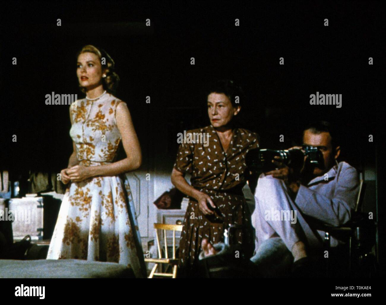 GRACE KELLY, THELMA RITTER, JAMES STEWART, REAR WINDOW, 1954 - Stock Image