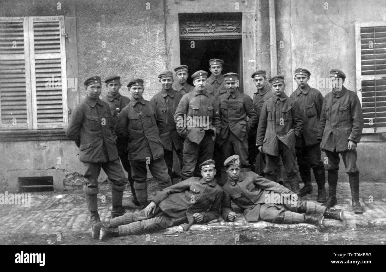 First World War / WWI, communications zone, group of German soldiers, April 1918, Additional-Rights-Clearance-Info-Not-Available - Stock Image