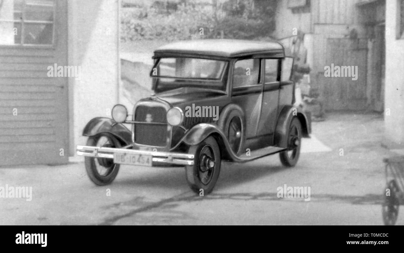 transport / transportation, cars, vehicle variants, Ford Rheinland (Model B), view from left ahead, Germany, 1930s, Additional-Rights-Clearance-Info-Not-Available - Stock Image