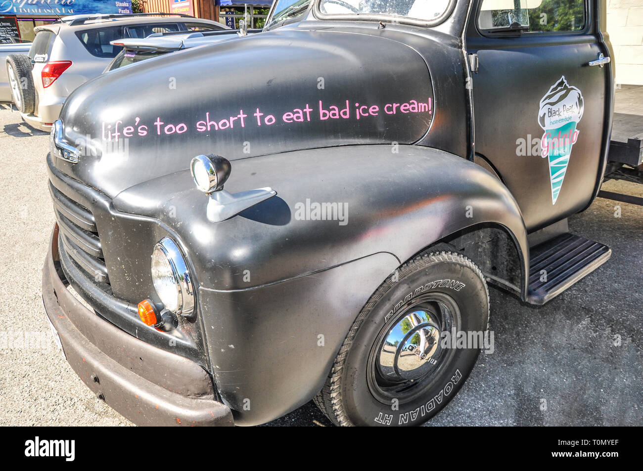 Vintage Classic Bedford Truck Stock Photos & Vintage Classic Bedford